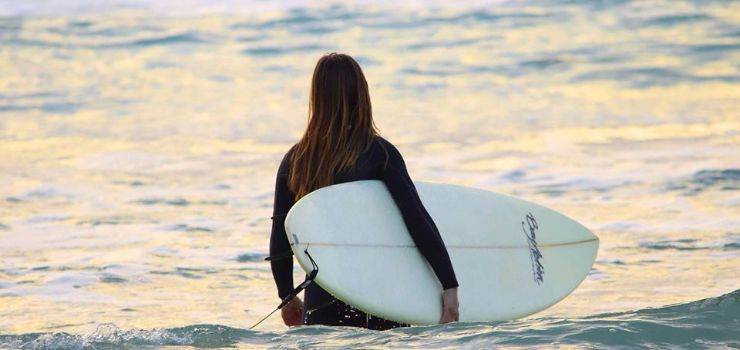 Girls only: Surf & Yoga Camp vor den Toren Lissabons